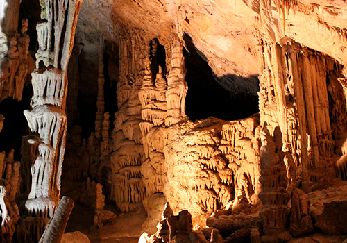 Lewis and Clark Caverns near Broken Arrow Lodge